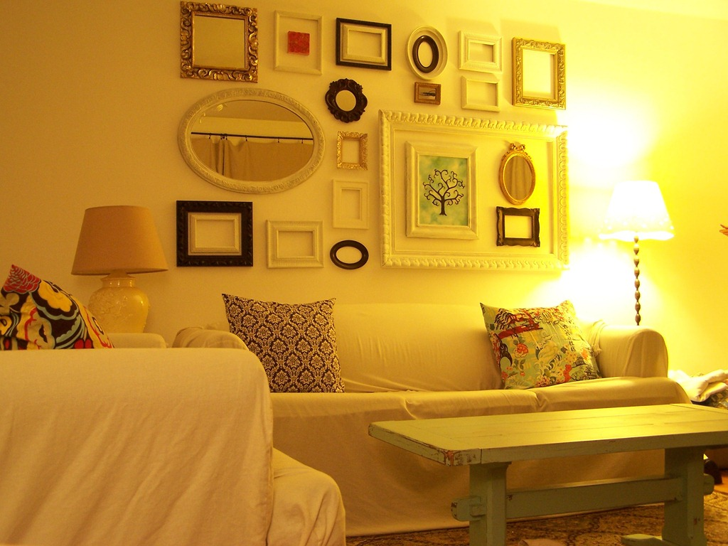 Perfect Picture Frame Wall Arrangements Elaboration - Picture Frame ...