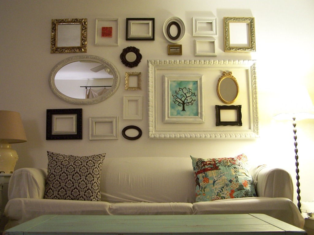 Photo Wall Ideas With Different Frames : Frugal and green decorating idea frames kinda crunchy kate